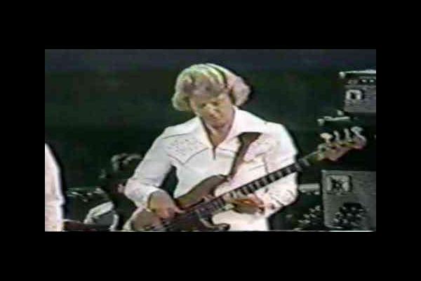 Jerry Scheff: Elvis Concert Bass Solo
