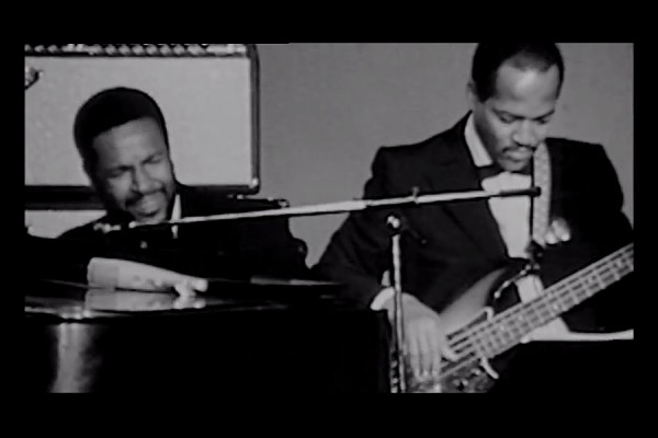 """Marvin Gaye & James Jamerson: """"What's Going On"""" Isolated Vocals and Bass"""