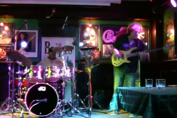 Stu Hamm with Greg Howe and Dennis Chambers: Kick It All Over