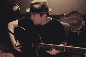 Jim Bennett: Acoustic Piccolo Bass Jam