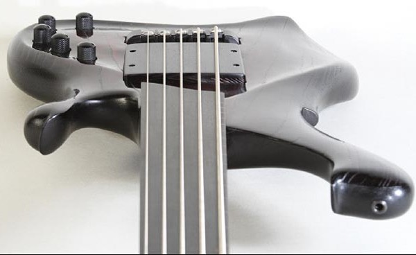 Bass of the Week: Waja-Bass Design Telio G.V. 5-String Fretless