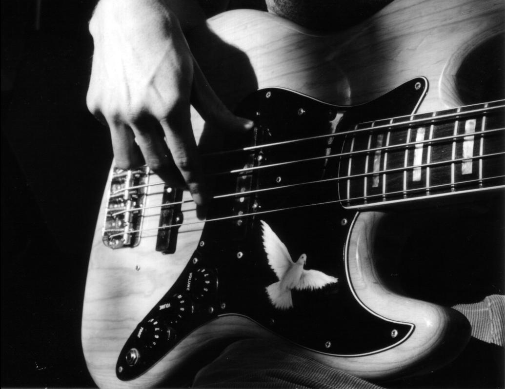 Bassist right hand