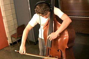 """Bass Cover Week: Steve Metcalf's Solo Bass Cover of Coldplay's """"Clocks"""""""