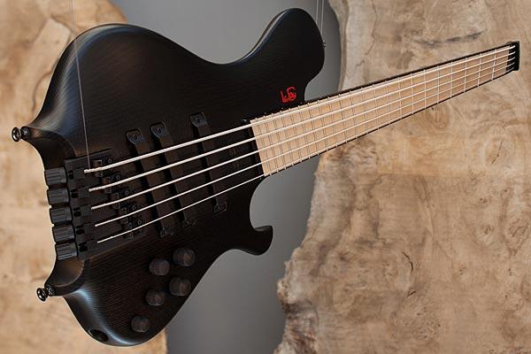 Le Fay Introduces Fan Fret Version of Pangton Headless Bass