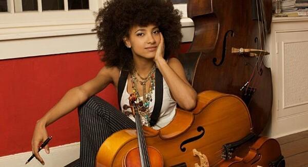 2011 Readers' Favorite Bassists – #4: Esperanza Spalding