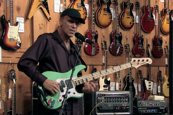 Billy Sheehan: Clinic Session on Becoming a Better Bass Player