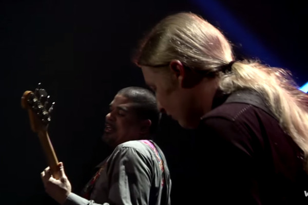 """Tedeschi Trucks Band: """"Come See About Me"""" (Live)"""