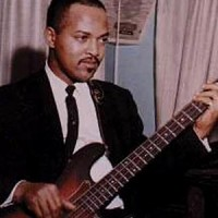 """James Jamerson's Isolated Bass on """"Ain't That Peculiar"""" (with Drums)"""