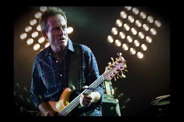 "Them Crooked Vultures: ""Scumbag Blues"" – John Paul Jones's Isolated Bass"