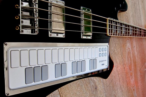 Bass of the Week: Pino Saracini's Keyboard Bass by Huma Guitars