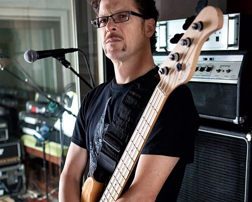 Jason Newsted Launches New Online Presence to Connect with Fans