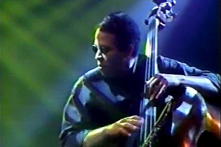 Stanley Clarke: Acoustic Bass Solo