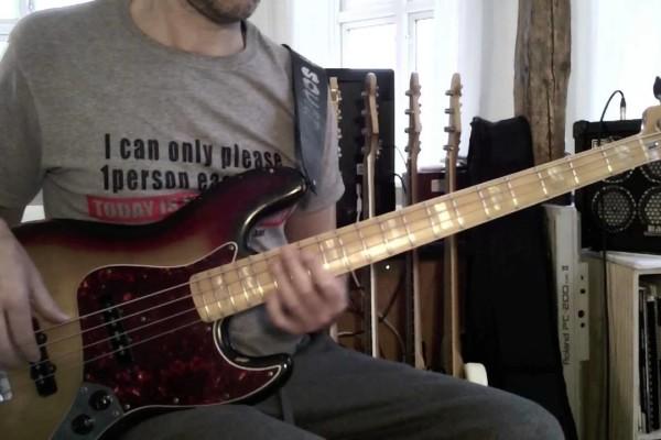 Lesson: Two Bar Bass Run in E minor