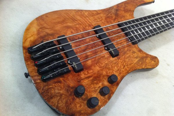 Bass of the Week: Emerald Guitars Flow Bass