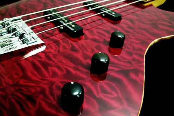 Bass of the Week: Lipe Guitars Lupara