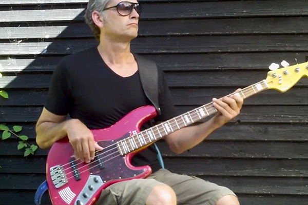 Groovy Fingerstyle Bass Lick Lesson