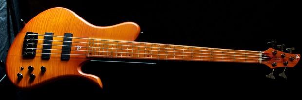 Aquilina Basses DB Bass