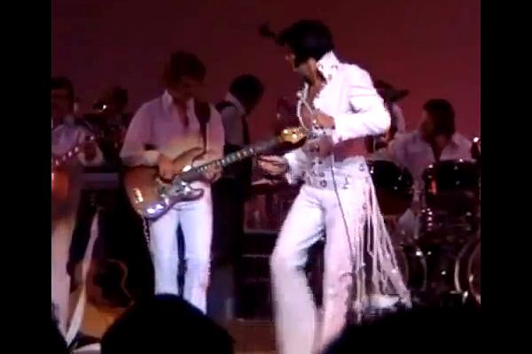 "Elvis Presley with Jerry Scheff: ""Suspicious Minds"", Live 1970"