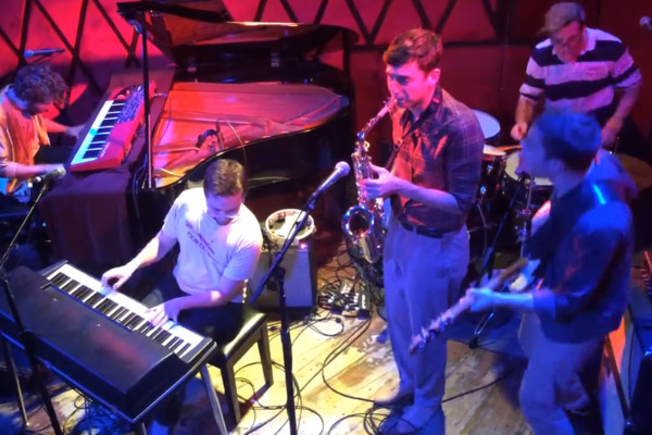 """Vulfpeck: """"Outro"""" Live at Rockwood Music Hall"""