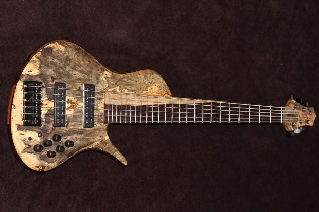 Erizias 6-String Singlecut Bass