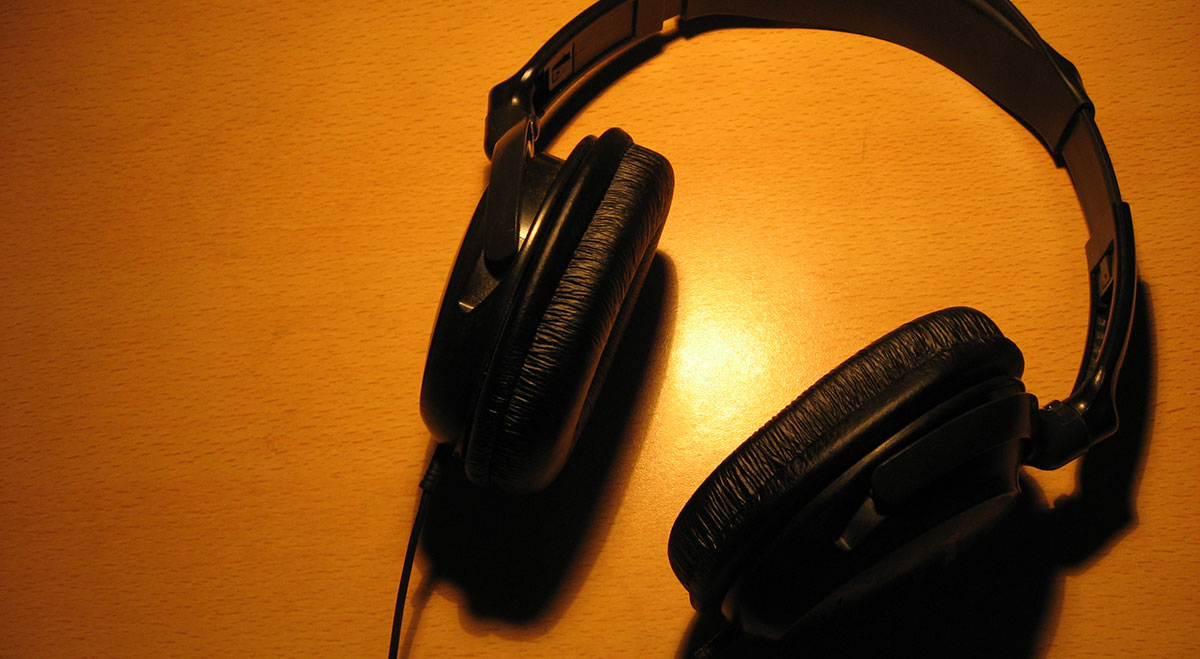 Headphones photo by Juan Croatto