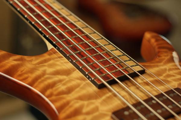Bass of the Week: Fibenare Guitars Globe Bass