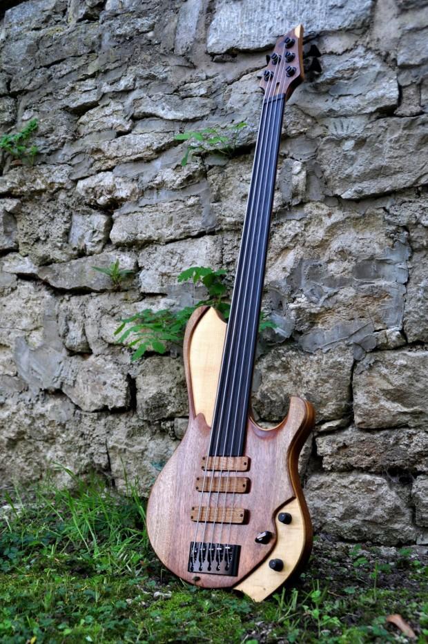 """Oliver Lang Instruments Limes """"Erik"""" Bass"""