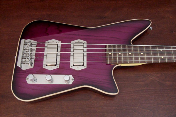 Bass of the Week: Lowe Custom Guitars Chromasonic