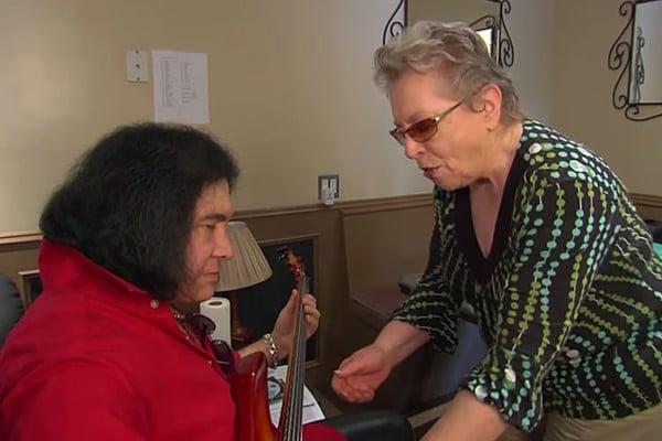 Carol Kaye Gives Gene Simmons a Bass Lesson