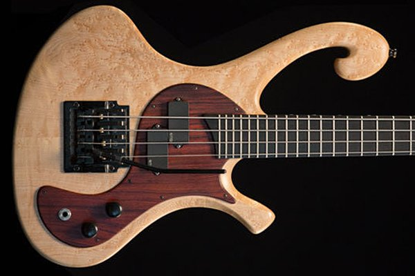 Les Claypool Auctions Pachyderm Bass For Charity