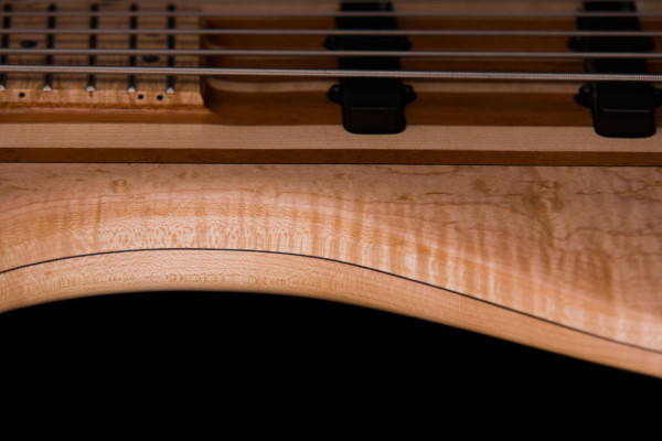 Bass of the Week: Naked Bass Hitchhiker 5-String