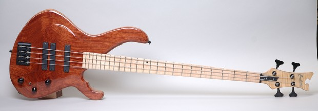 Phantom Guitars XTC Bass BUB front