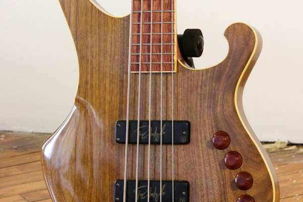 Bass of the Week: R.Hyde Guitars Soul Machine
