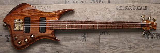 Zerberus Guitars Hades Bass