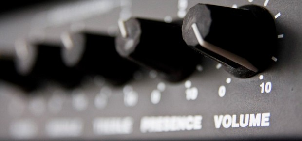 Bass amp knobs