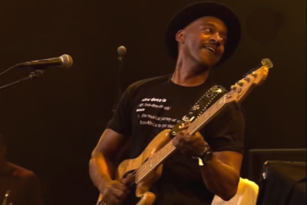 Marcus Miller: Papa Was A Rolling Stone, Live