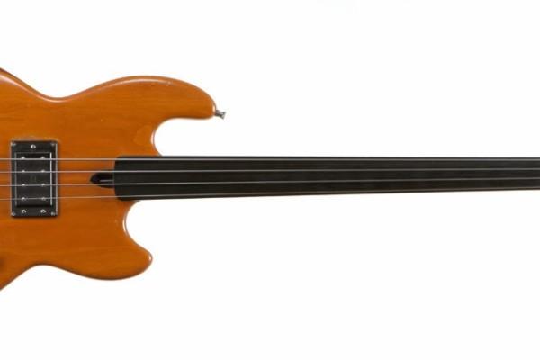 Bass of the Week: Colin Edwin's Wal Mk 1 Fretless
