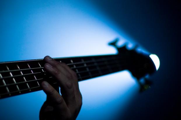Bass Neck