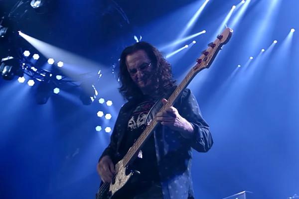 Rush: YYZ (R40 Live)