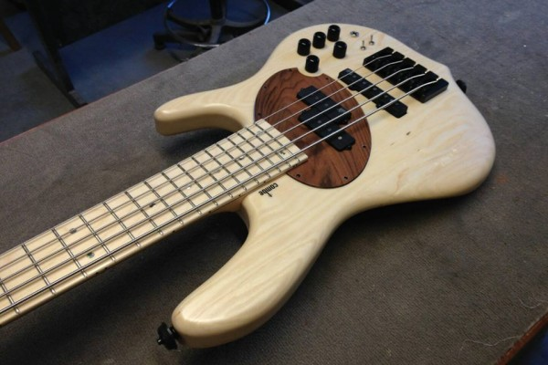 Larry Kimpel Teams with Combe-Luthier for Signature Bass