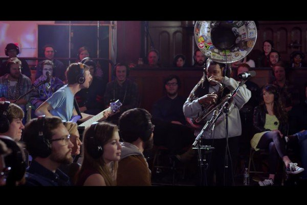 Snarky Puppy Featuring Jacob Collier and Big Ed Lee: Don't You Know