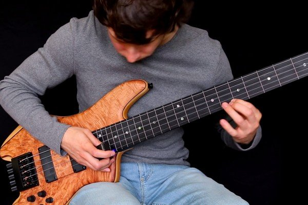 Zander Zon: The Last of the Mohicans for Solo Bass
