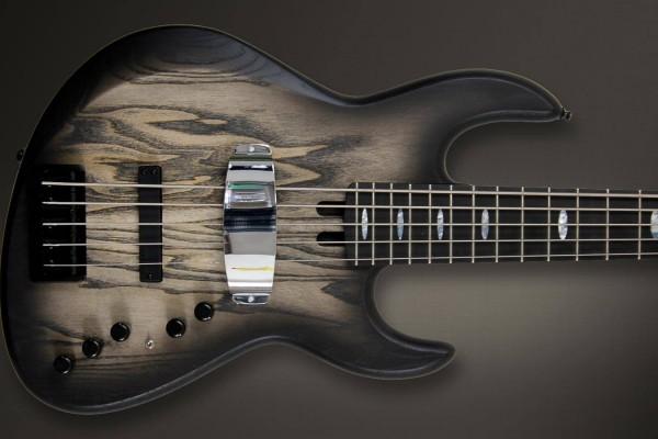 Bass of the Week: Meridian Guitars Jazz Evolution Carbon