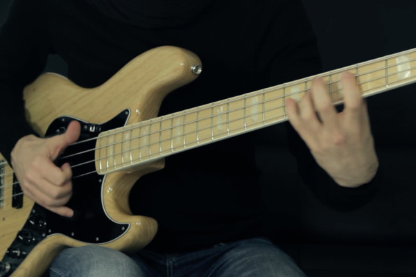 Bruno Tauzin: Funky Slap Bass Solo