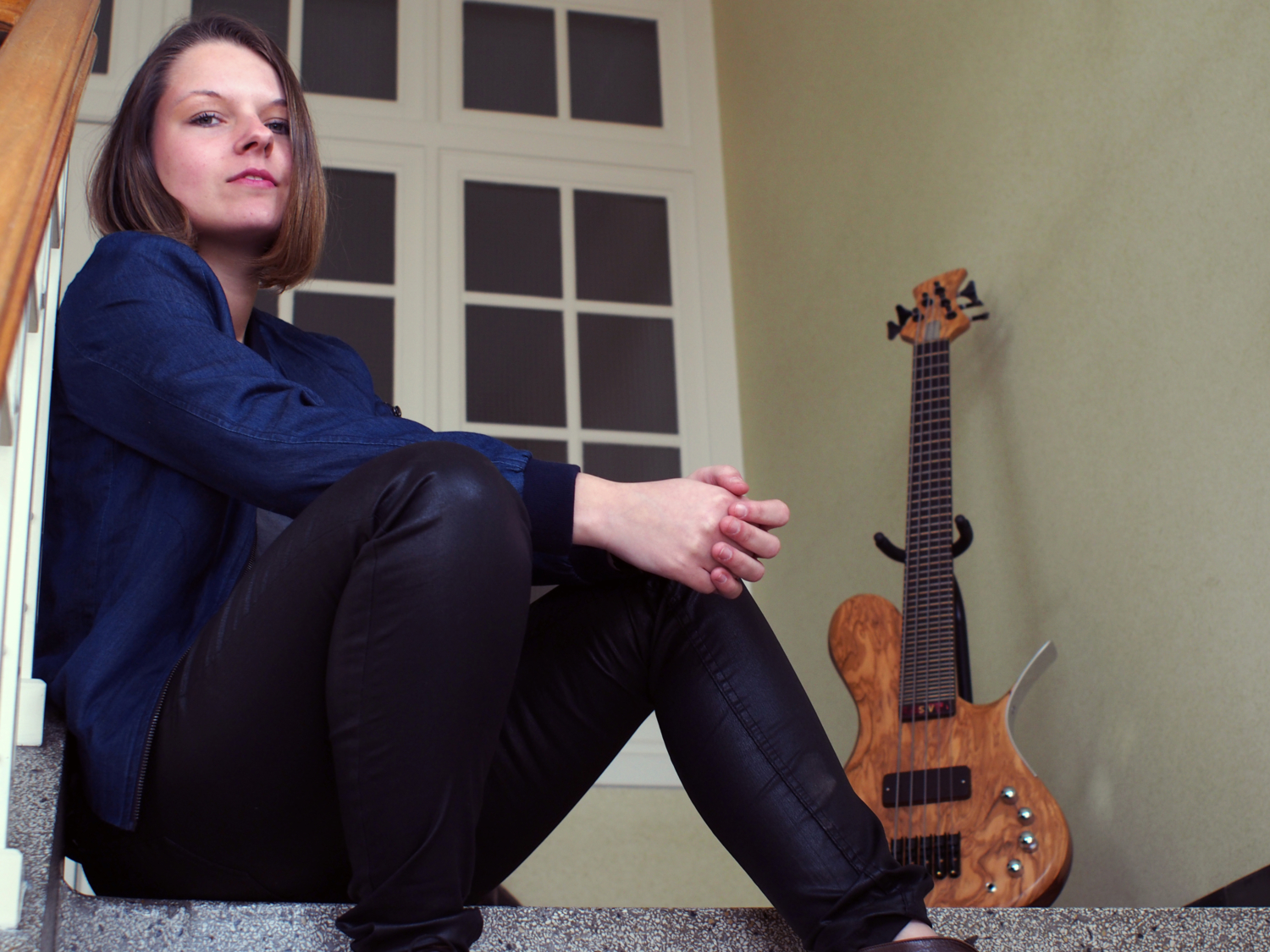 Sanne Verbogt with Roks Instruments Microtonal Futura Bass