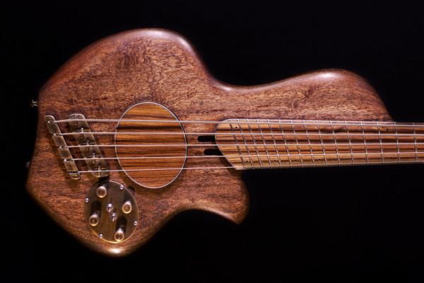 Bass of the Week: Dahrendorf Guitars Dynasty V
