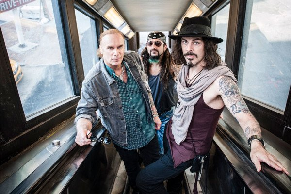 """The Winery Dogs Announce """"Who Let The Dogs Out"""" Tour"""