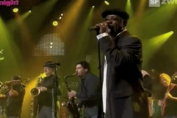 Tower Of Power: So I Got to Groove (Live)