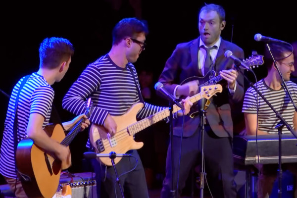 Vulfpeck with Chris Thile: Dean Town