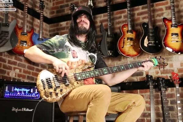 """Nick Schendzielos: Bass Playthrough of Havok's """"Hang 'Em High"""""""